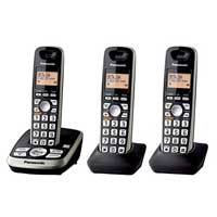 Panasonic Expandable Digital Cordless Answering System with 3 Handsets KX-TG4223B